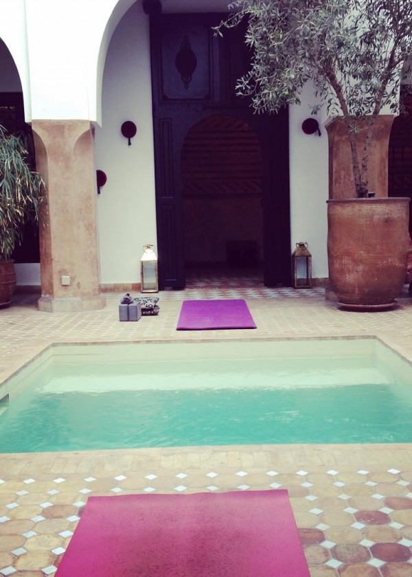 To start with good mood #hello #goodmorning #namaste #yoga #energy #yogawithstef #yogamarrakech #riadmagellanyoga #riadmarrakech