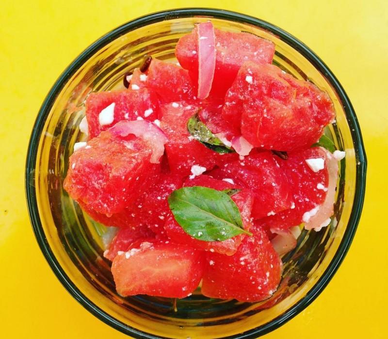 Fresh watermelon salad with feta and basilic; So good #watermelon #bonappetit #salad #salade #summer #summerfood #fresh #basilic #feta #healthy #healthyfood #kecheventsmarrakech #kecheventsmaroc #yogaretreat #food #yogamarrakech #yogamorocco #pink #riadmagellanyoga #riadmagellan